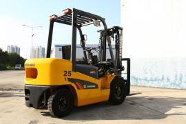 Дизельный вилочный автопогрузчик LiuGong CPCD25 (г/п 2500 кг)